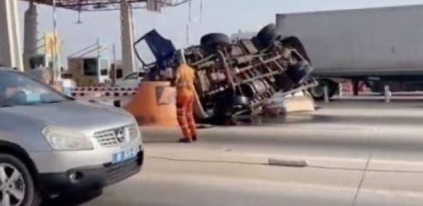 Sortie de péage près de l'Aidb : Un grave accident bloque la circulation