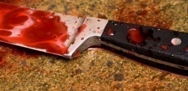 Il poignarde et tente d'égorger sa belle-sœur