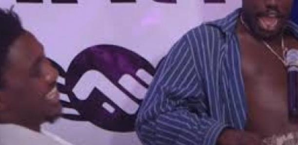 Spécial Korité : Niankou s'invite chez Wally Seck et lui offre de l'argent
