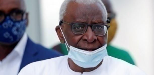 Lamine Diack a reçu son passeport et est attendu à Dakar dans les prochains jours