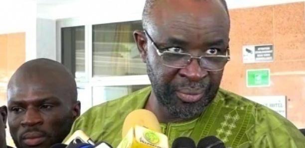 Moustapha Cisse Lo tacle le ministre Diouf SARR et le traite de nullards « Xamoul Daara »