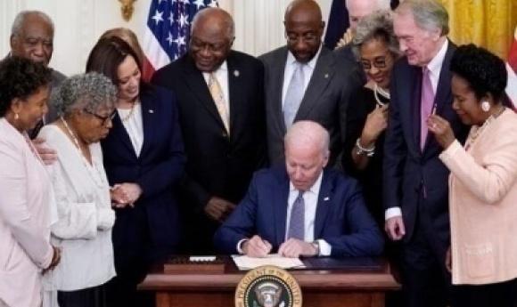États-unis : Joe Biden Instaure Un Jour Férié Pour Marquer La Fin De L'esclavage