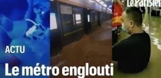 «De l'eau jusqu'au cou»: l'enfer des passagers du métro de Zhengzhou