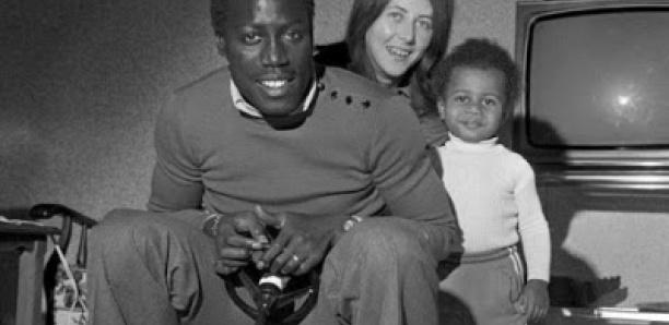 Reportage auprès de la famille de Jean Pierre Adams à Dakar.