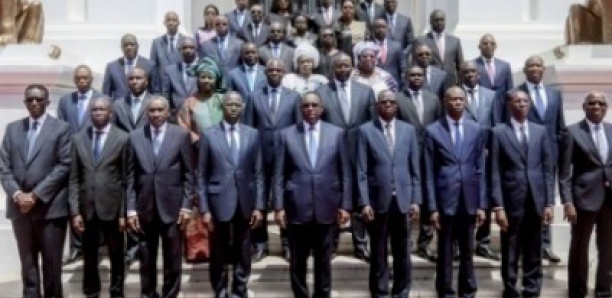 Remaniement ministériel : Macky annonce plusieurs départs