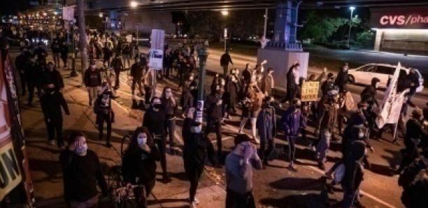 Flambée de violences à Philadelphie après la mort d'un Afro-Américain tué par la police