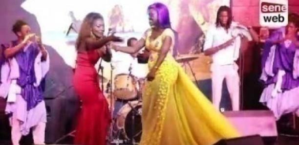 Admirez la robe transparente d'Oumou Provoc'